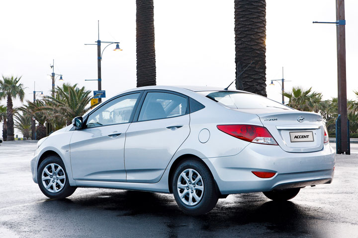 2011 Hyundai Accent rear