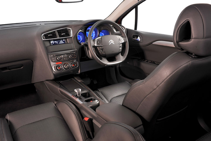 2011 Citroen C4 interior view