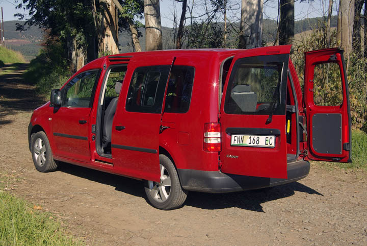 2011 Volkswagen Caddy Crewbus rear view