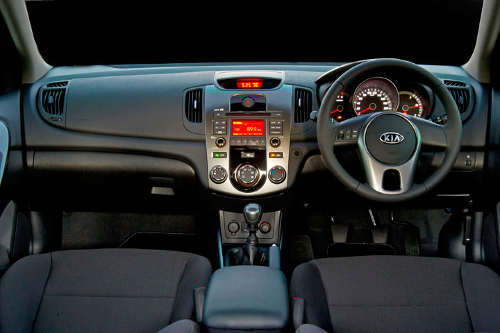 2011 Kia Cerato Hatch interior