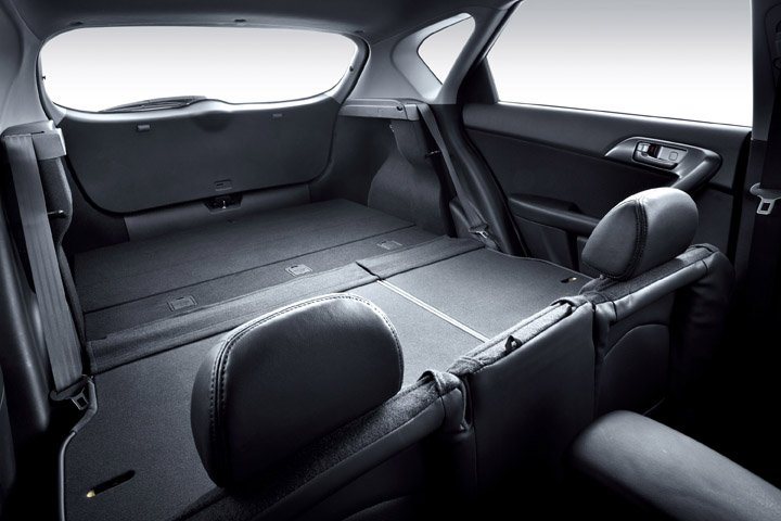 2011 Kia Cerato Hatch loadspace view