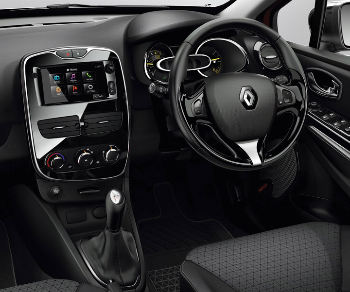 Sa roadtests 2014 renault clio 900t for Interieur clio 4