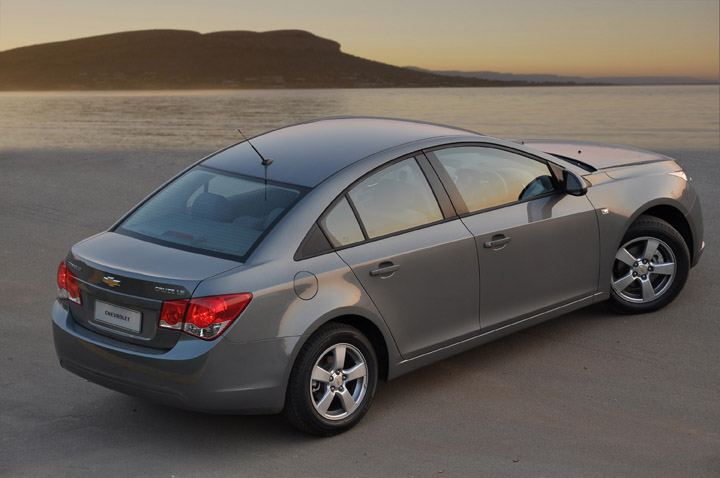 2011 Chevrolet Cruze 2.0 diesel rear view