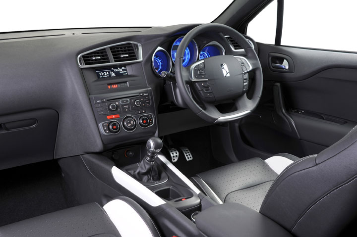 2011 Citroen DS4 interior