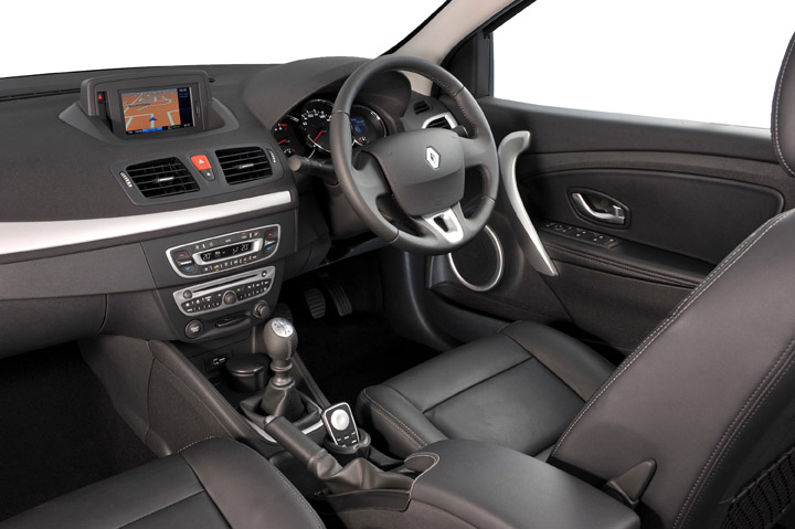 2011 Renault Fluence interior