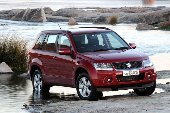 2011 Suzuki Grand Vitara 2.4 front view