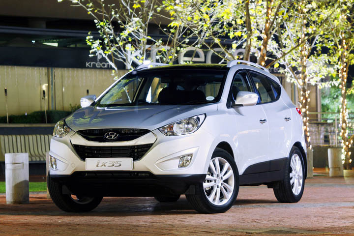 2011 Hyundai iX35 2.0 diesel 4x4 automatic front view