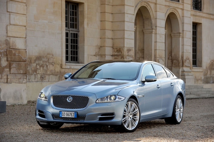 2011 Jaguar 5.0 V8 front view