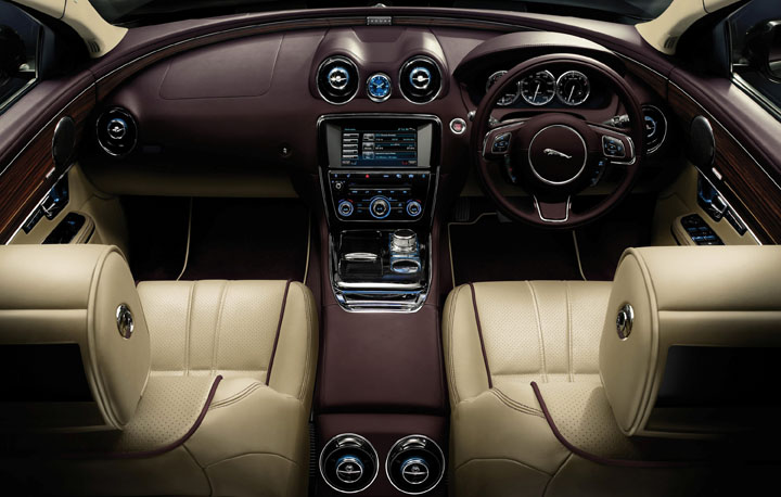 2011 Jaguar XJ 5.0 V8 interior view