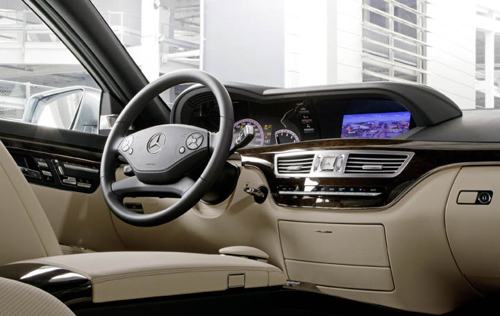 2011 Mercedes-Benz S350 BlueTEC interior