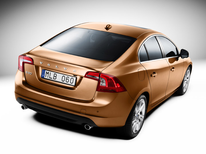 2011 Volvo S60 2.0T rear view