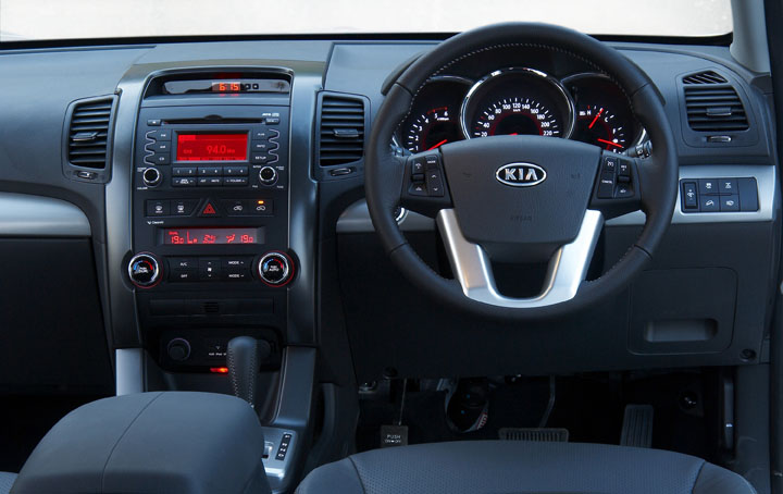2011 Kia Sorento 3.5 V6 interior view