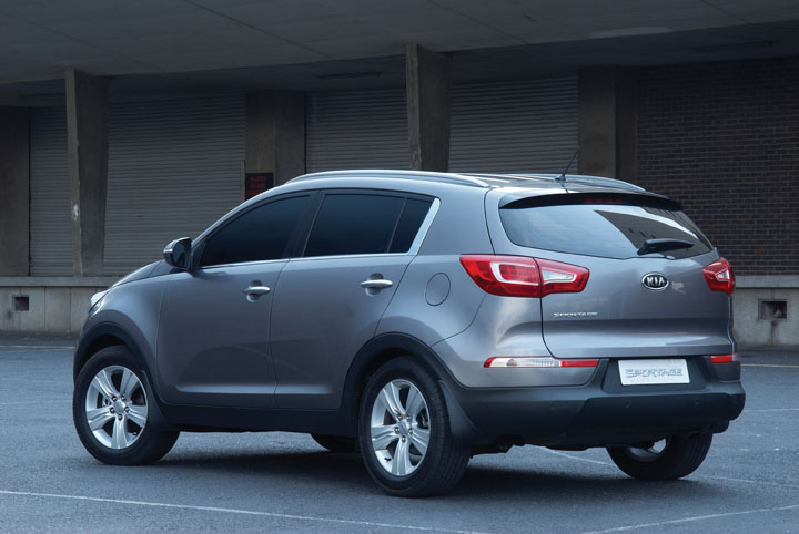 2011 Kia Sportage 2WD rear view