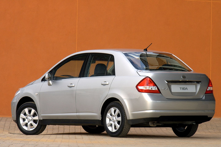 2011 Nissan Tiida rear view