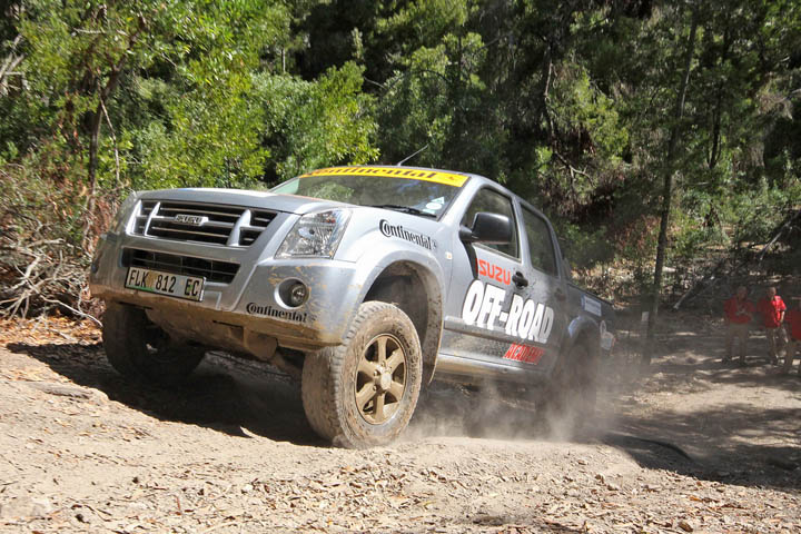 Isuzu pickup off road wheelspin