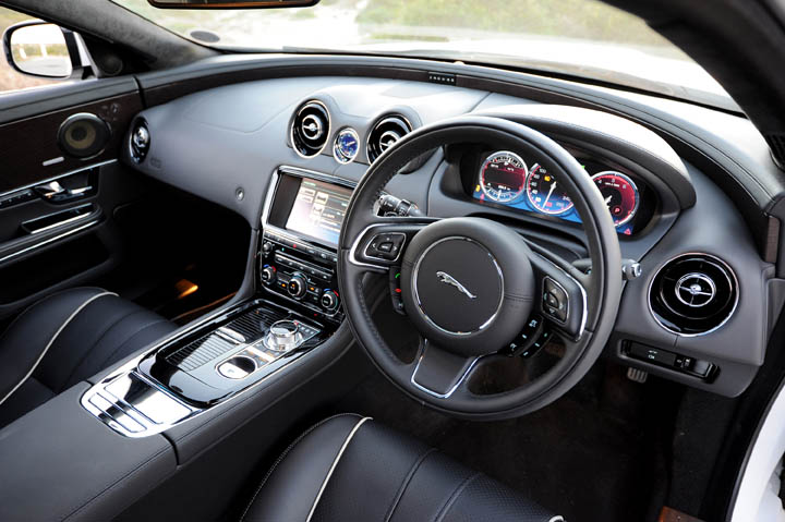 2011 Jaguar XJ 3.0 diesel interior view