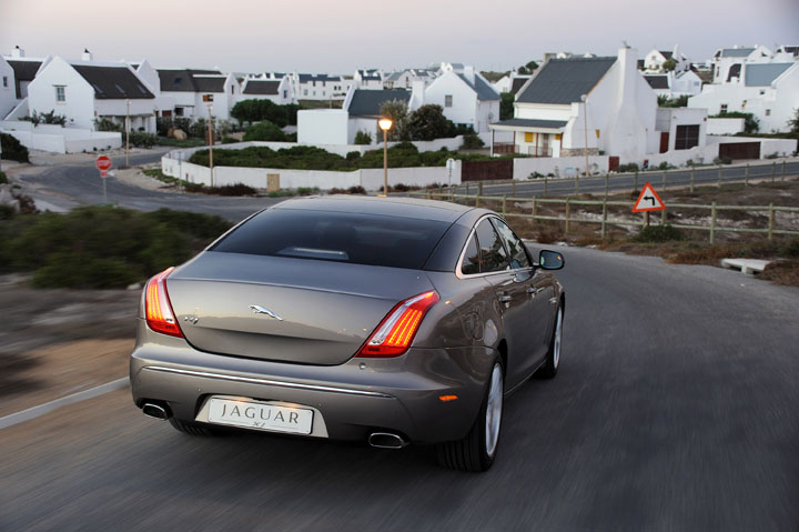 2011 Jaguar XJ 3.0 diesel rear view